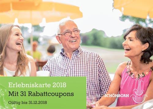 Titelblatt der Erlebniskarte 2018 Bad Schönborn mit 31 Rabattcoupons - Foto gut gelaunter Gäste im Biergarten