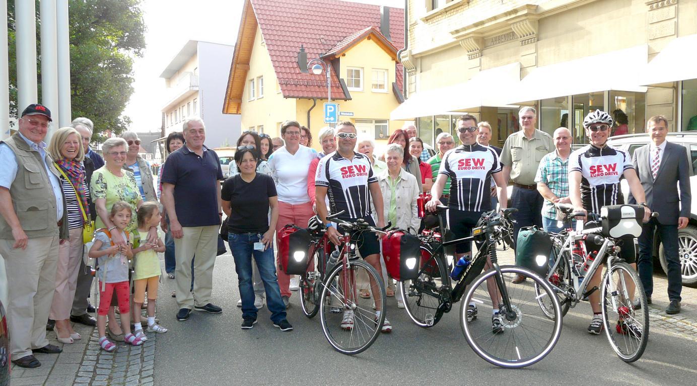 SEW Benefizradler Start Tour 17 Norderney