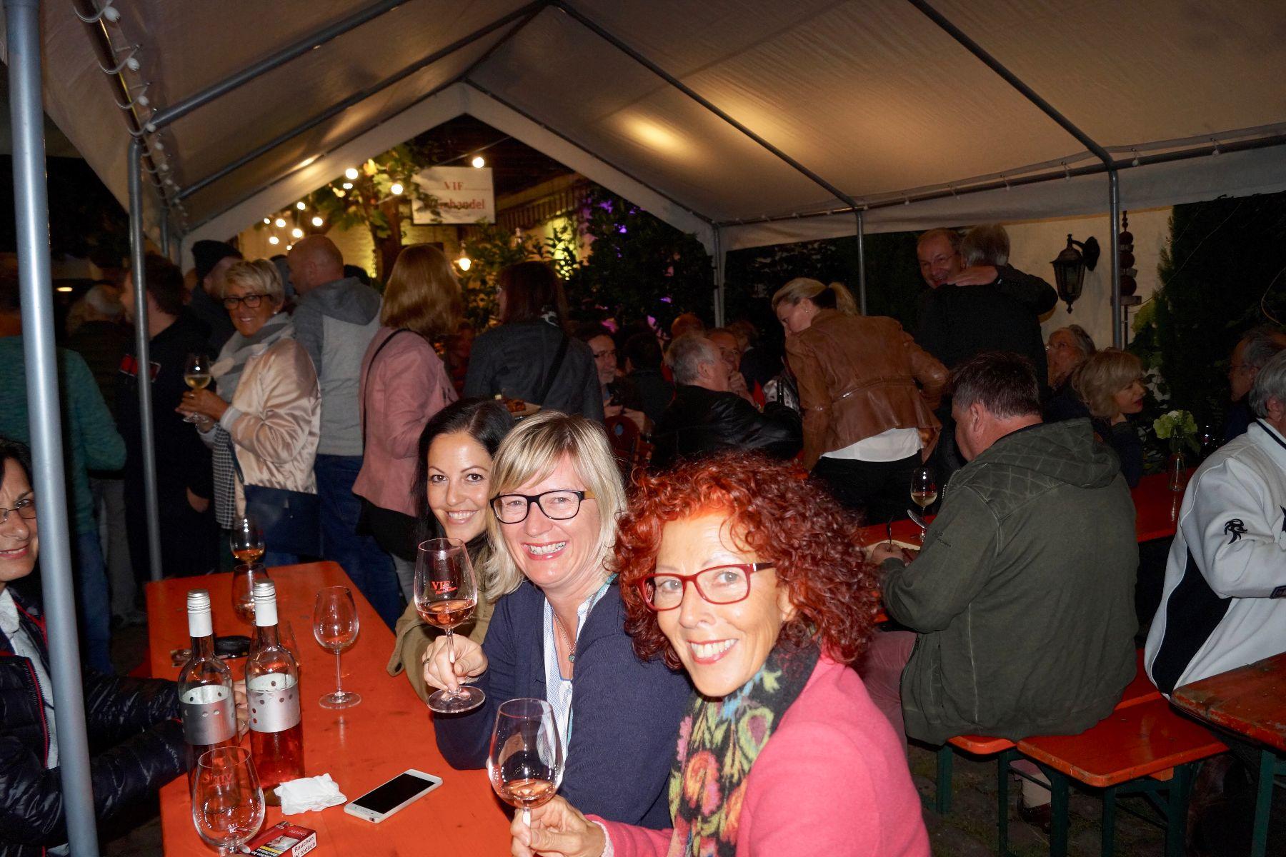 Stimmung auf dem Weinfest