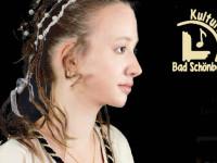 Die Sängerin Anna Brauch als Laura beim historischen Petarca-Konzert des Kulturkreis Bad Schönborn