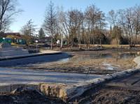 Bauarbeiten am See im Kurpark