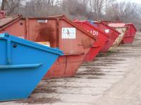 Abfallanlage mit verschiedenen Container