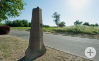 Stein gewordene Wiedervereinigung: Auf der alten Grenze zwischen den Dörfern Mingolsheim und Langenbrücken erinnert heute ein Gedenkstein an die Fusion der beiden Ortschaften