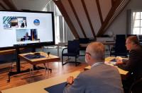 Videokonferenz für Förderbescheidsübergabe