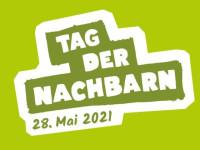 Plakat grün mit bunten Fähnchen. Aufschrift: Wir sind dabei! Tag der Nachbarn 28. Mai 2021