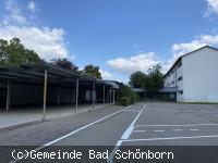 Michael-Ende-Grundschule Mingolsheim Pausenhof und Gebäude