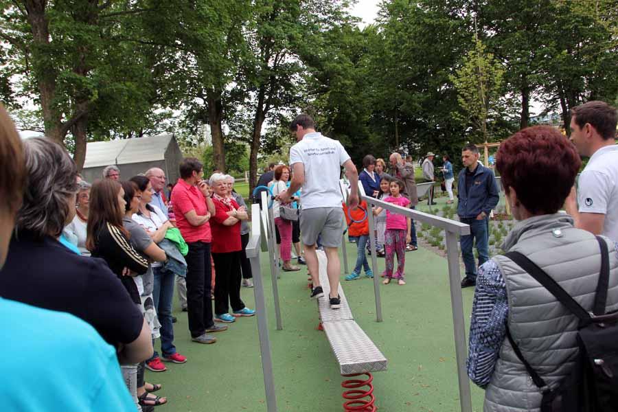 Rundgang mit Mitmachaktionen auf dem Bewegungsparcours des Sole-Aktiv-Parks