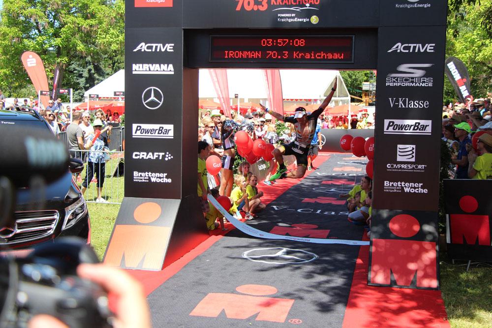 Siegersprung von Sebastian Kienle