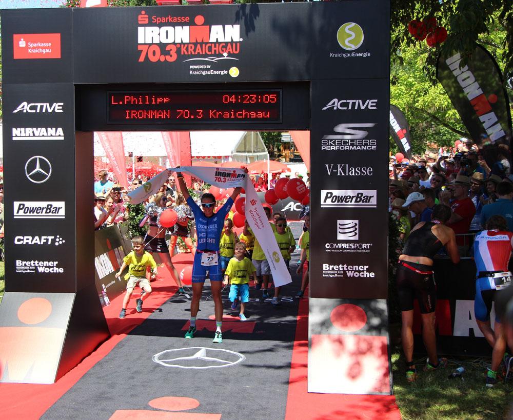 Zieleinlauf der Siegerin Laura Philipp