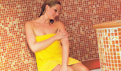 Frau in Sauna im Thermarium Bad Schönborn