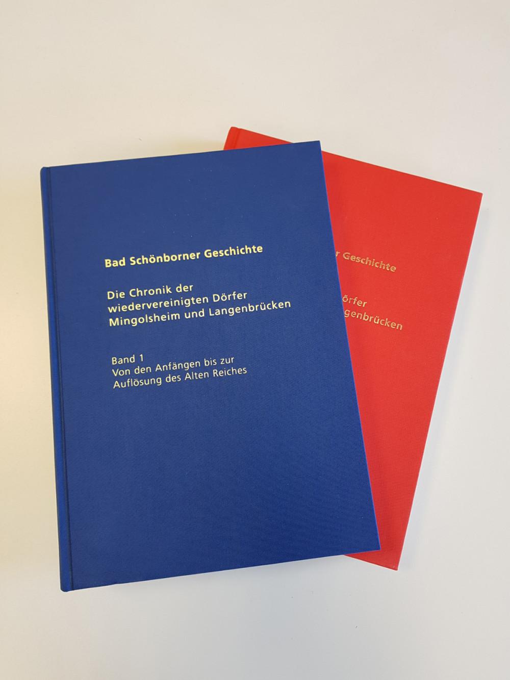 Die beiden Bände der Ortschroniken Bad Schönborn