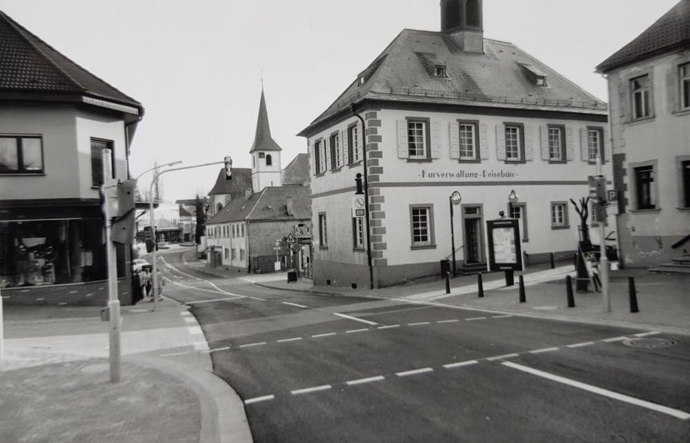 Altes Rathaus Langenbrücken verkehrsberuhigte Huttenstraße