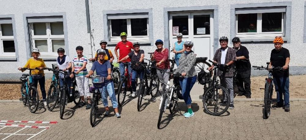 Gruppe der E-Bike Fahrer